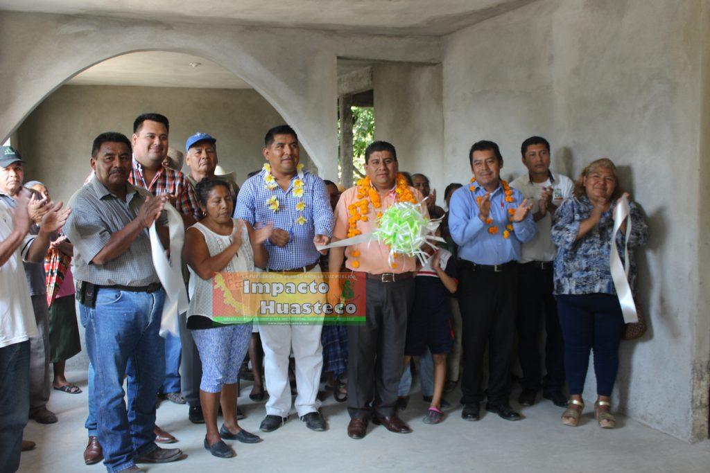 Entregan pisos firmes en la localidad de Pastoría y Pepeyocal – Impacto Huasteco